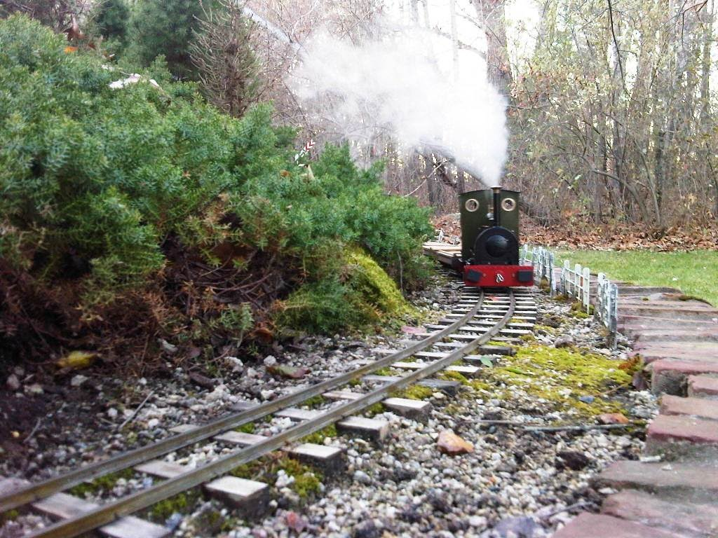 Rounding Woodsend on the Isle of Shoals Tramway